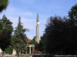 Памятник Советским Воинам в Вене.