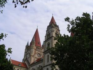 Mexikoplatz. Церковь Святого Франциска Ассизского. Вена.